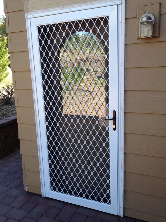 Foyer Bonfire Locked Door : Door screens bend on site screening
