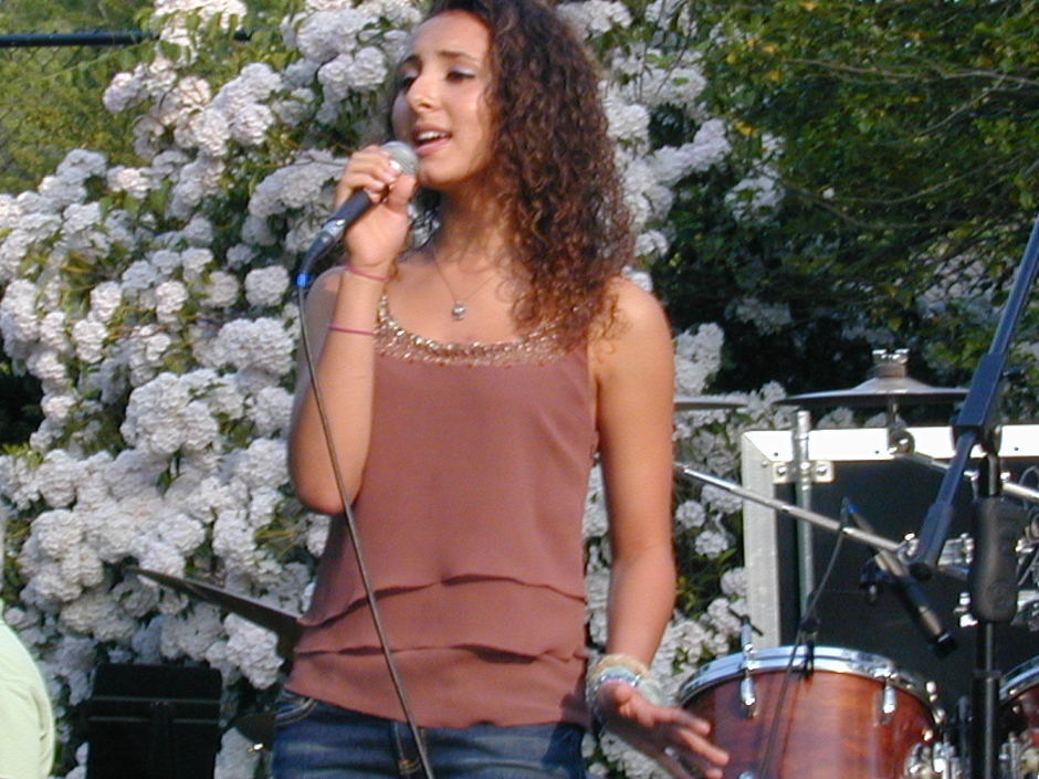 Santana Roberts performing at Hunger Awareness Day 2010