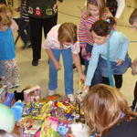 Redeemer_lutheran_children_giving_toys