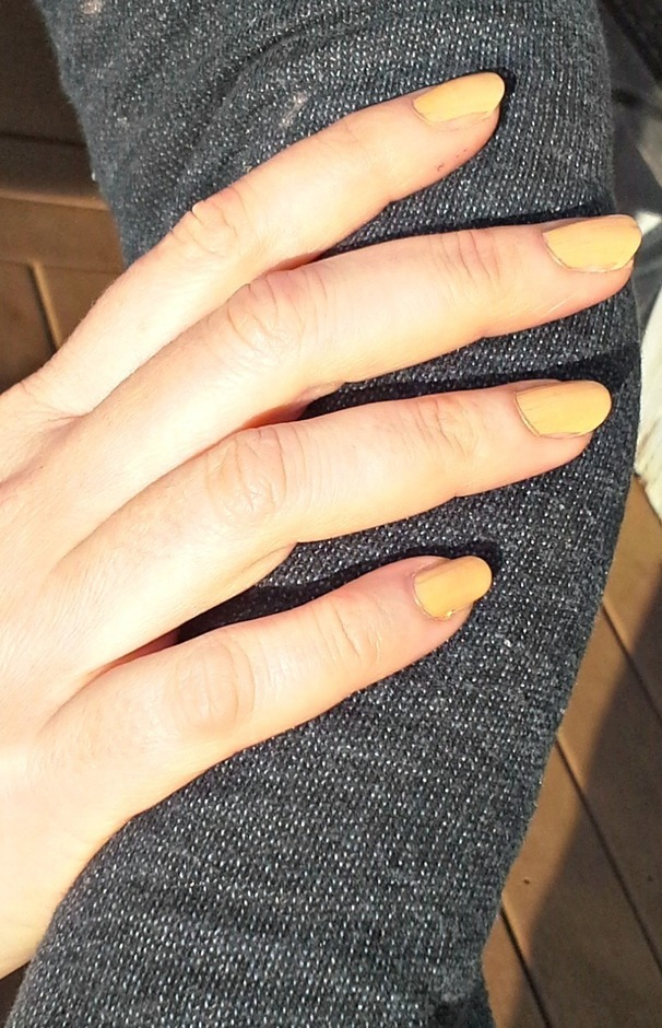 nude nails.jpg