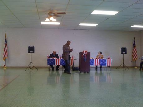 Elder Donald Bogen, Jr. gives closing prayer