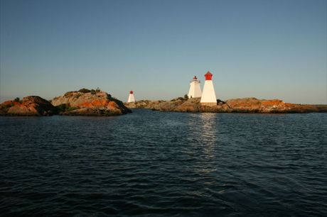 Bustard Island Lighthouse and Ranges (4)