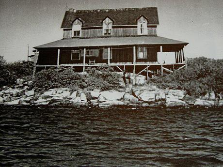 Main Cottage on Double Island