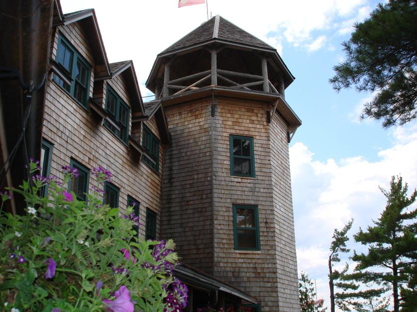 Ojibway hotel
