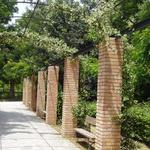 Fotolia_brick_pillars