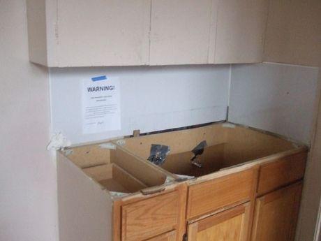2nd_floor_kitchen_area_7.jpg