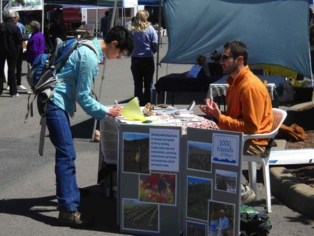 Farmers_market_tabling_ashland