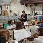 Kathy Monroe conducts Westminster String Christmas concert