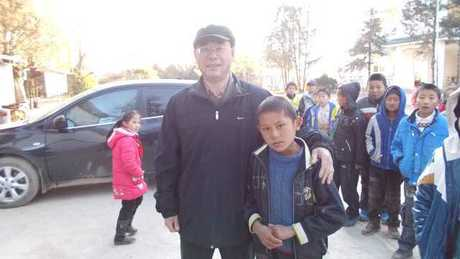 DaJin_with_student3.jpg