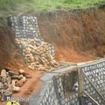 Retaining_wall_behind_kafs2