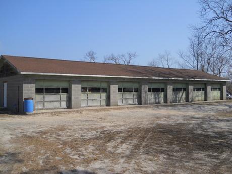 7_bay_garage.JPG