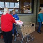 Nina and Glendie at Safeway