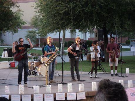 Live_music_-_tbtn_2012
