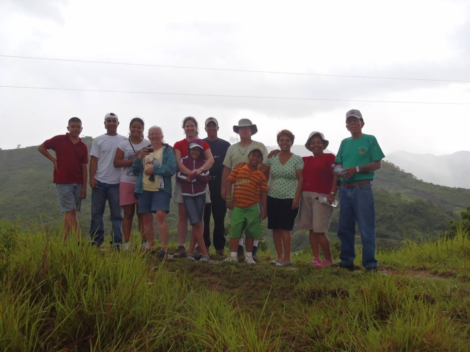 In 2010, joined by friends and family from the US and Panama, our founders made the donation ditribution trip that led to the formation of LARN, Inc.