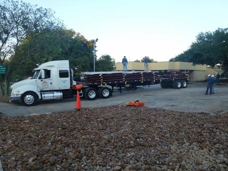 2012.10.01-unload-truck