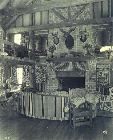Pondo_fireplace_-_La_Foret_August_1928.jpg