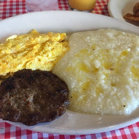 Grits__sausage__eggs_pic