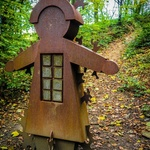 Iron_lady_in_lady_wood_mirfield