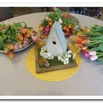 Kroger_flowers_and_birdhouse-