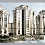 DLF Capital Greens: Ready to move property in Delhi