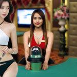 Bermain  Judi  Online  Casino  Kini  Di  Temani  Wanita  Seksi