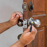 ​Looking for a Commercial or Automotive Locksmith? Consider the Following Factors
