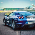 Things to Look For In a Race School to Get the Best Race Driving Experience