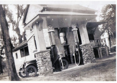 1927_gas_station__2_