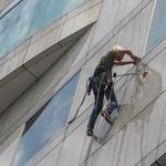 Valuable Factors To Guide You When Booking A Professional Window Cleaning Firm