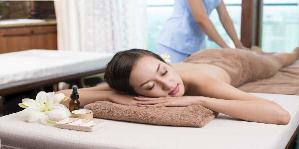 How full body massage is performed?