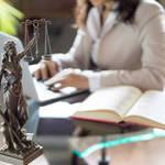 Factors When Booking The Right Criminal Defense Advocate
