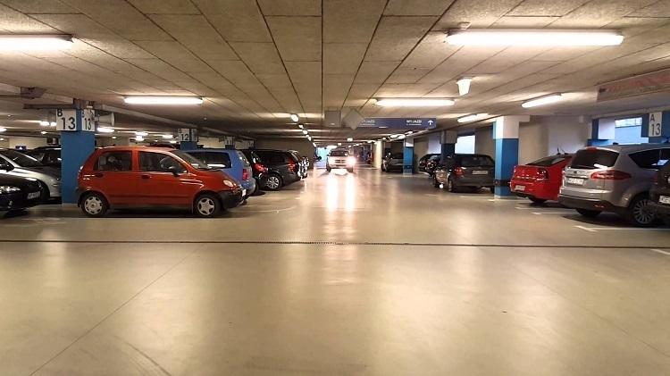 Melbourne_Airportcar_Parking.jpg